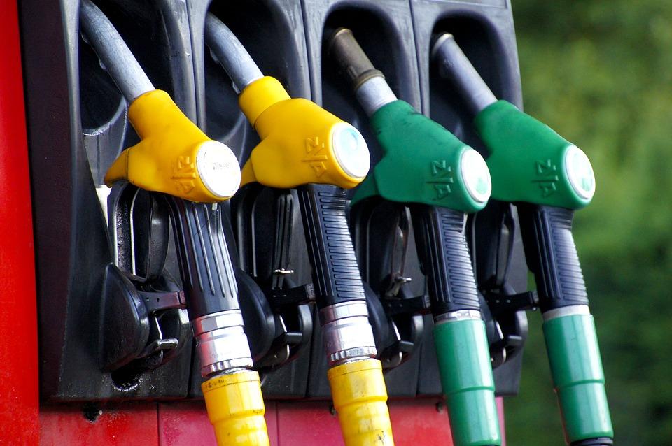 Quanto você gasta por mês em combustível?